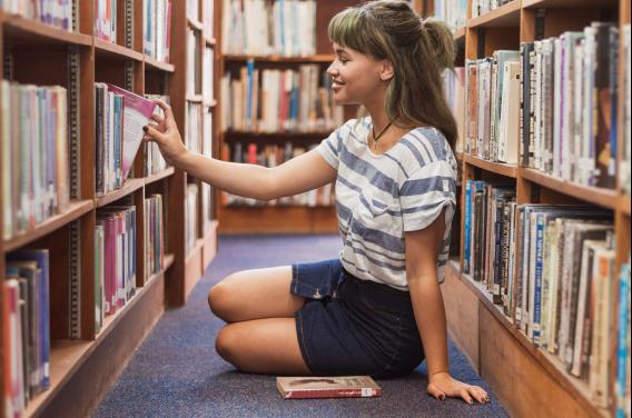 Miejska Biblioteka Publiczna w Łomży  przywraca wolny dostęp doksięgozbioru